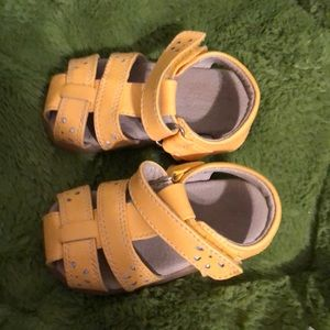 See Kai Run First Walker Shoes - Size 4